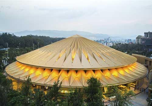 معماری خاص سالن تئاتر