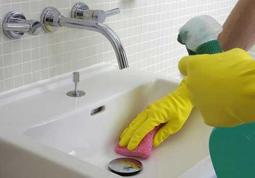 حمام و دستشویی تمیز