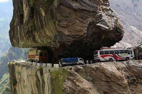 خطرناکترین جادههای دنیا کجا هستند؟
