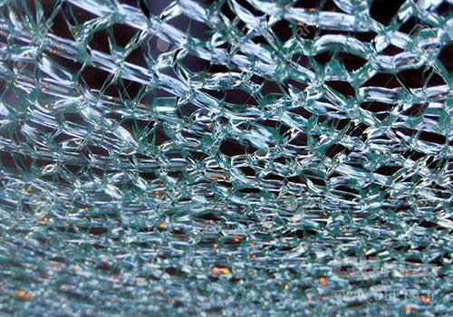 شیشه طرح دار