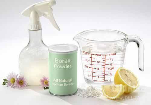پودر بوراکس برای از بین بردن بوی بد فرش