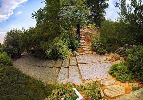 پله ها در پارک