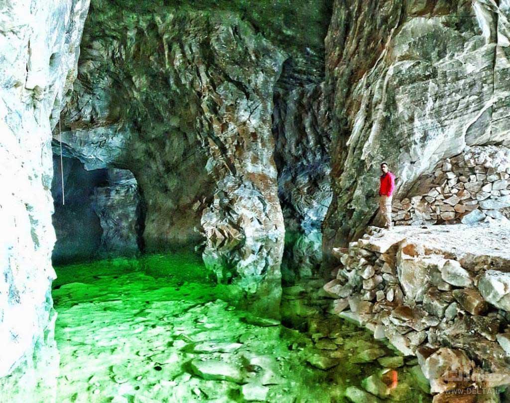 غار نمک گرمسار