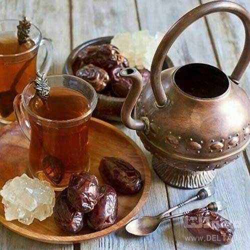 نوشیدن چای با خرما