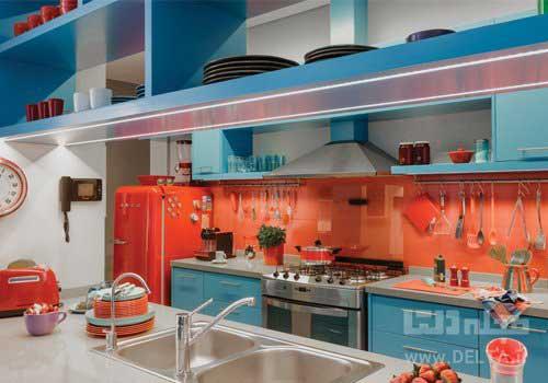 نورپردازی آشپزخانه در دکوراسیون داخلی به رنگ آبی