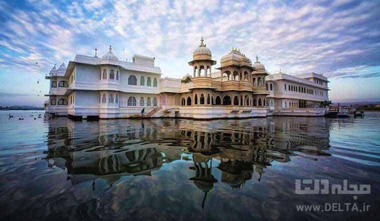 هتل شناور هند Udaipur