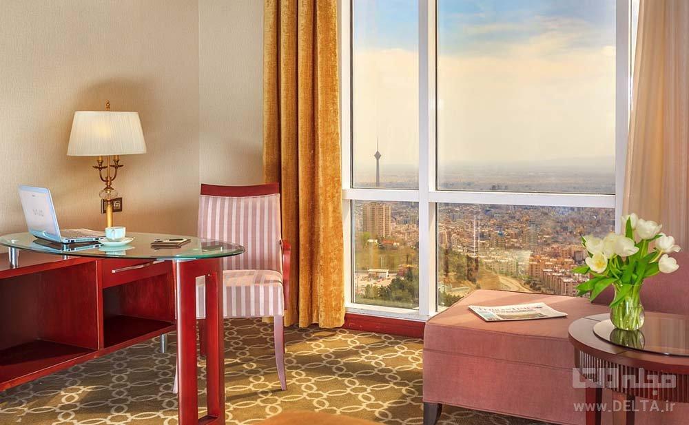 اقامت در هتل اسپیناس پالاس