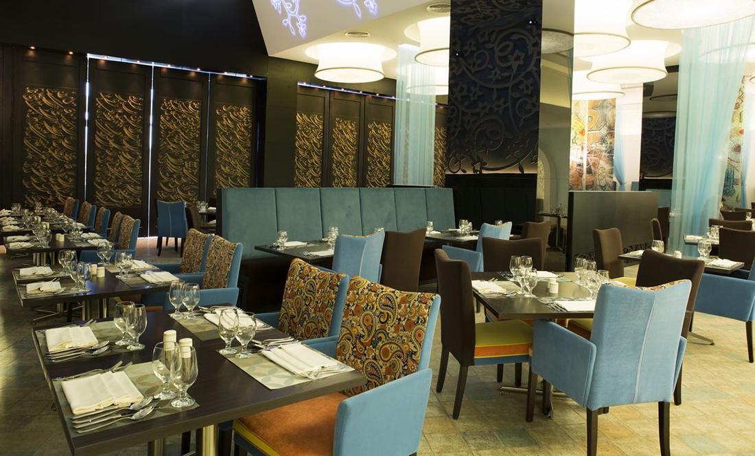 رستوران وادی هتل نووتل