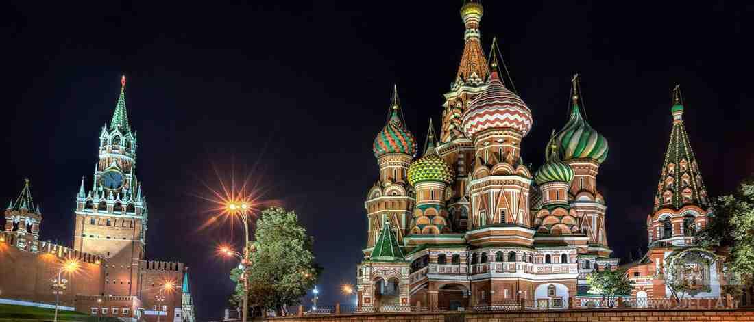 میدان سرخ در شب
