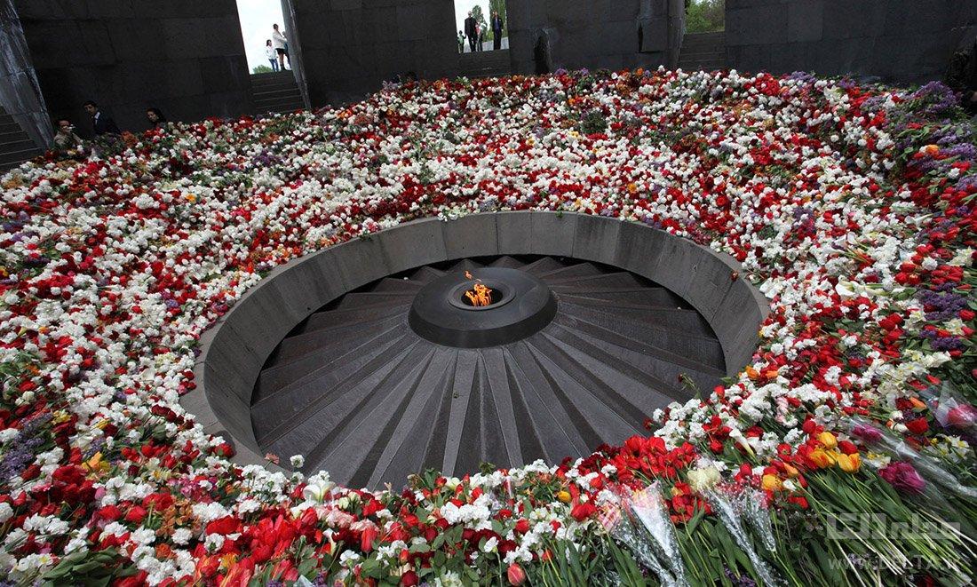 «موزه نسل کشی ارامنه» (Tsitsernakaberd)