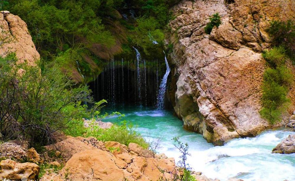 آبشار آب ملخ سمیرم