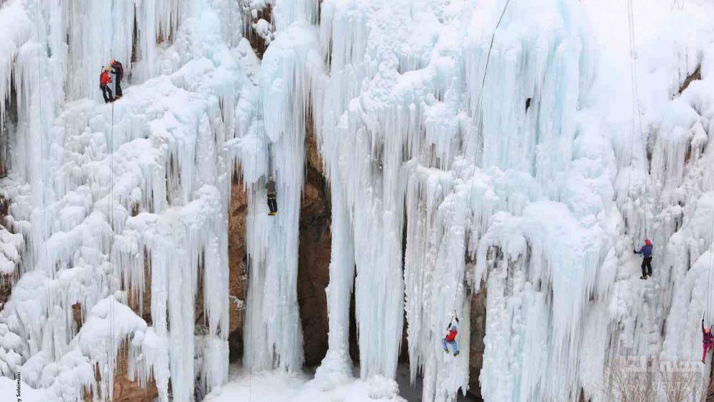 یخ نوردی در میگون تهران