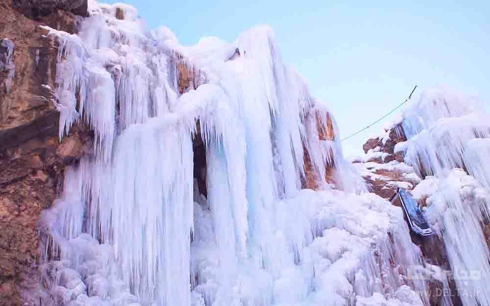 آبشار یخی دره هملون