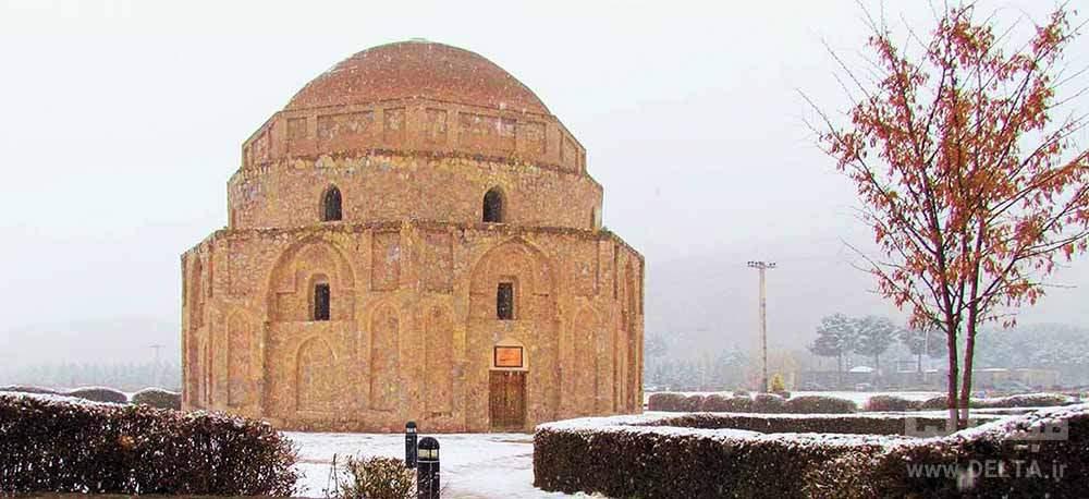 گنبد جبلیه در زمستان کرمان
