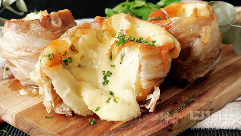 سیب زمینی پنیری با سس
