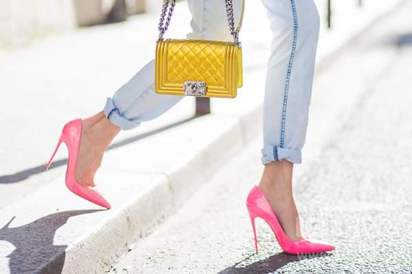 کفش پاشنه دار صورتی