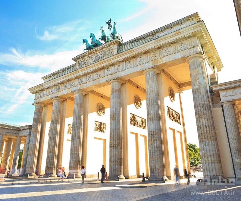 دروازه براندِنبورگ جاذبه های گردشگری آلمان