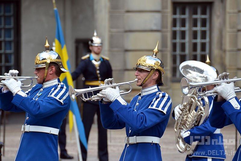 بازدید از موزه تاریخ سوئد یاد گرفتن زبان سوئدی شرکت در تورهای پیاده روی جاذبههای گردشگری رایگان استکهلمتماشای گارد سلطنتی آبی پوش