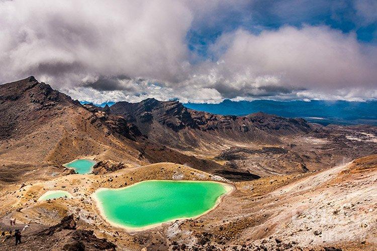 دریاچههای زمردی جاذبه های گردشگری عجیب دنیا