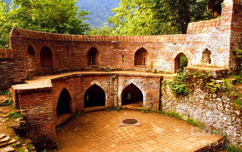 بخشهای مختلف قلعه رودخان