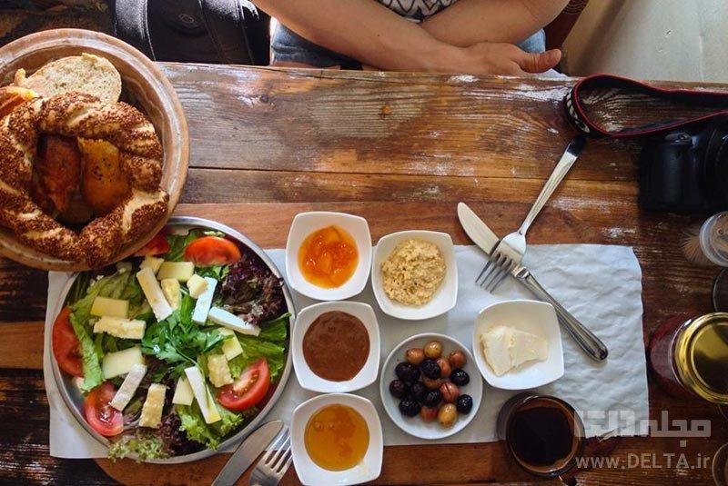 صرف صبحانه در دالتی مایا دانستنی های سفر به استانبول