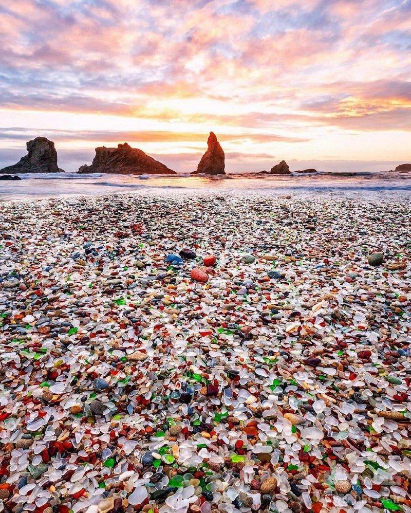 جهانگردی ساحل شیشه ای کالیفرنیا