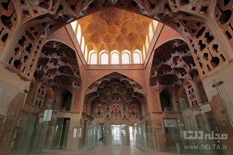 عمارت عالی قاپو در اصفهان