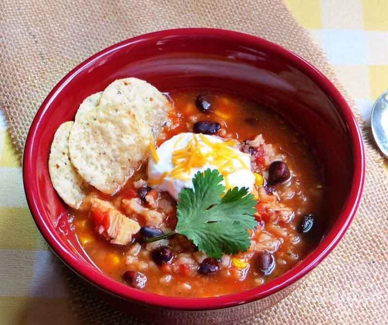 سوپ-رستورانی-خامهای-با-مرغ-و-پنیر-چدار
