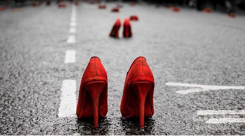 ست کردن کفش قرمز