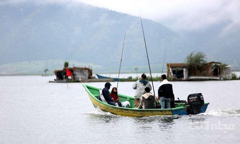 دریاچه زریوار مریوان قایقرانی
