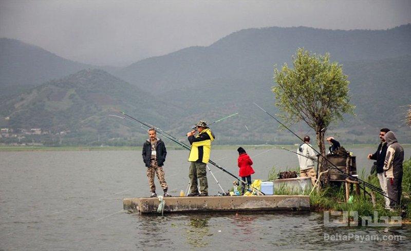 ماهیگیری دریاچه زریوار مریوان
