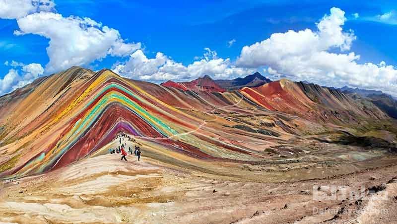 کوههای رنگین کمانی