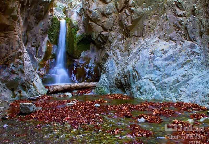 آبشار دلفارد از دیدنی های جیرفت