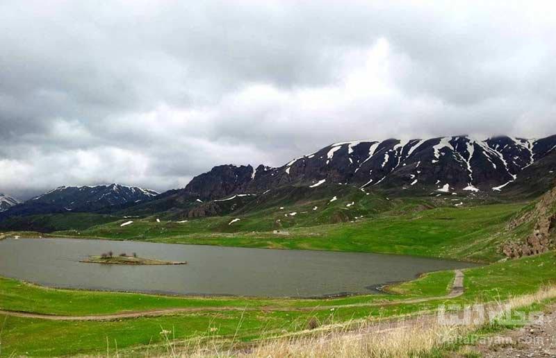 دریاچه باتابات