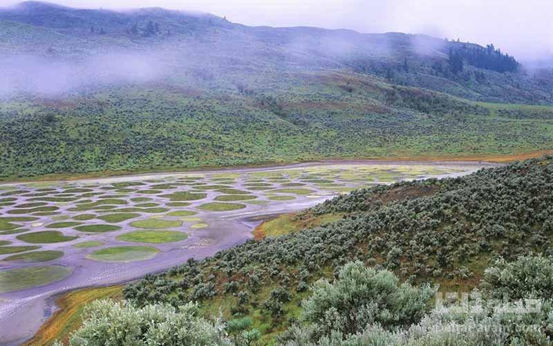 دریاچه خالدار در کانادا
