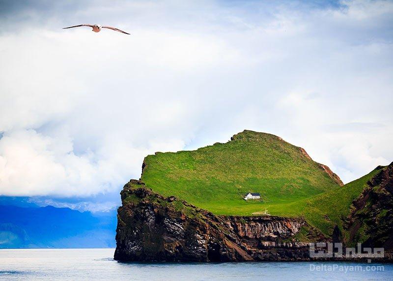 جزیره الیدای با تنها یک خانه