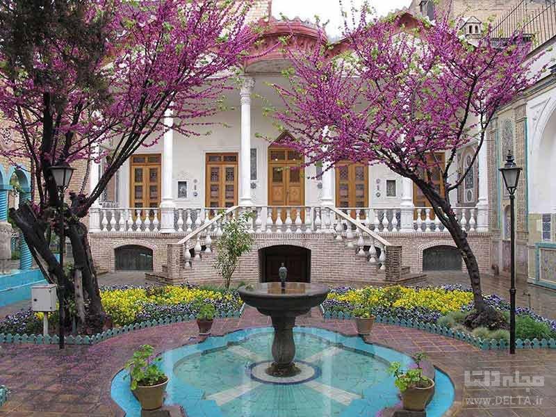 بازدید از باغ موزه مقدم در تهرانگردی در بهار