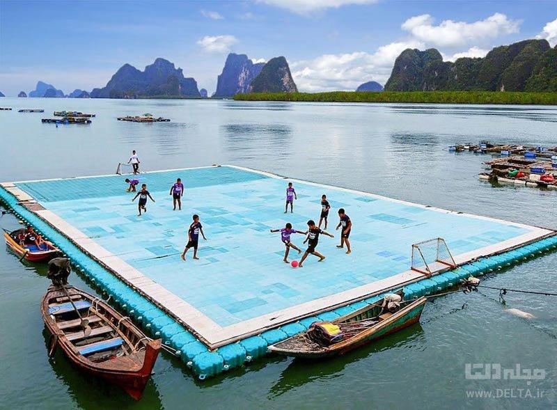 زمین فوتبال شناور در روستای شناور کوه پان یی