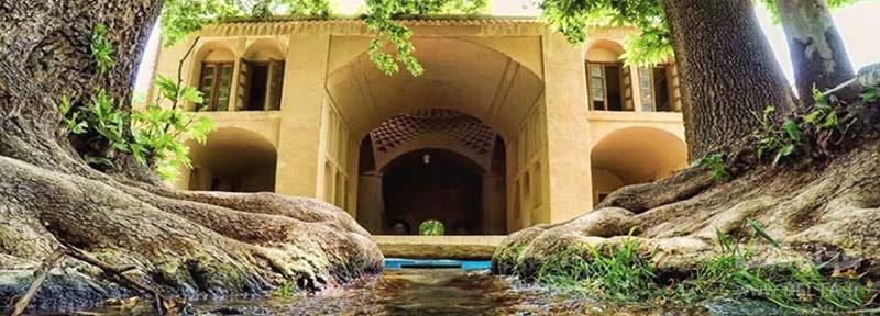 معماری این باغ پهلوان پور مهریز