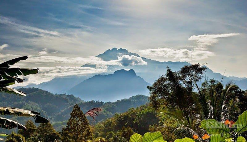 کوه کینابالو مقدس است!