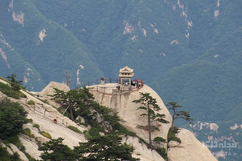 معبد مقدس چینی در گذرگاه هوآشان