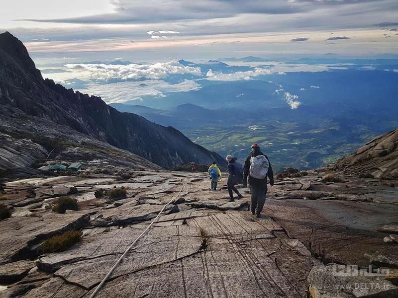 صعود به کوه کینابالو