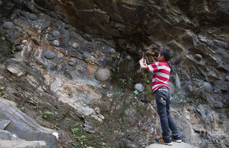 صخره تخم گذار در چین