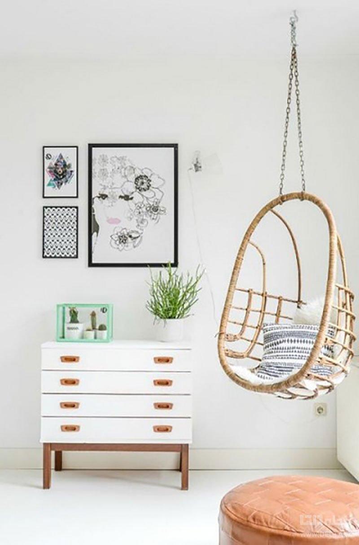 آویزان کردن صندلی آویز در گوشه دیوار