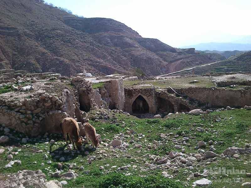 جاذبههای طبیعی روستای لیوس
