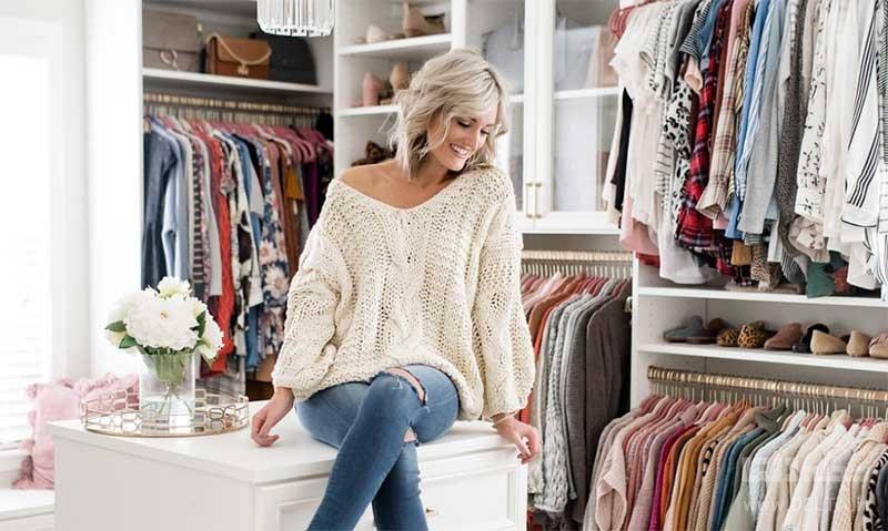 چگونه کمتر لباس بخریم