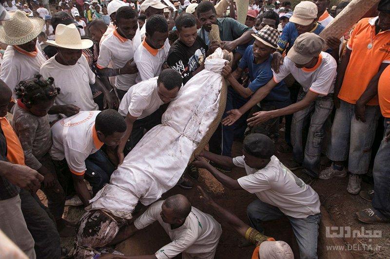 تدفین مردم ماداگاسکار