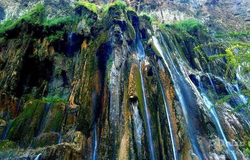 تنها آبشار چشمه ای جهان